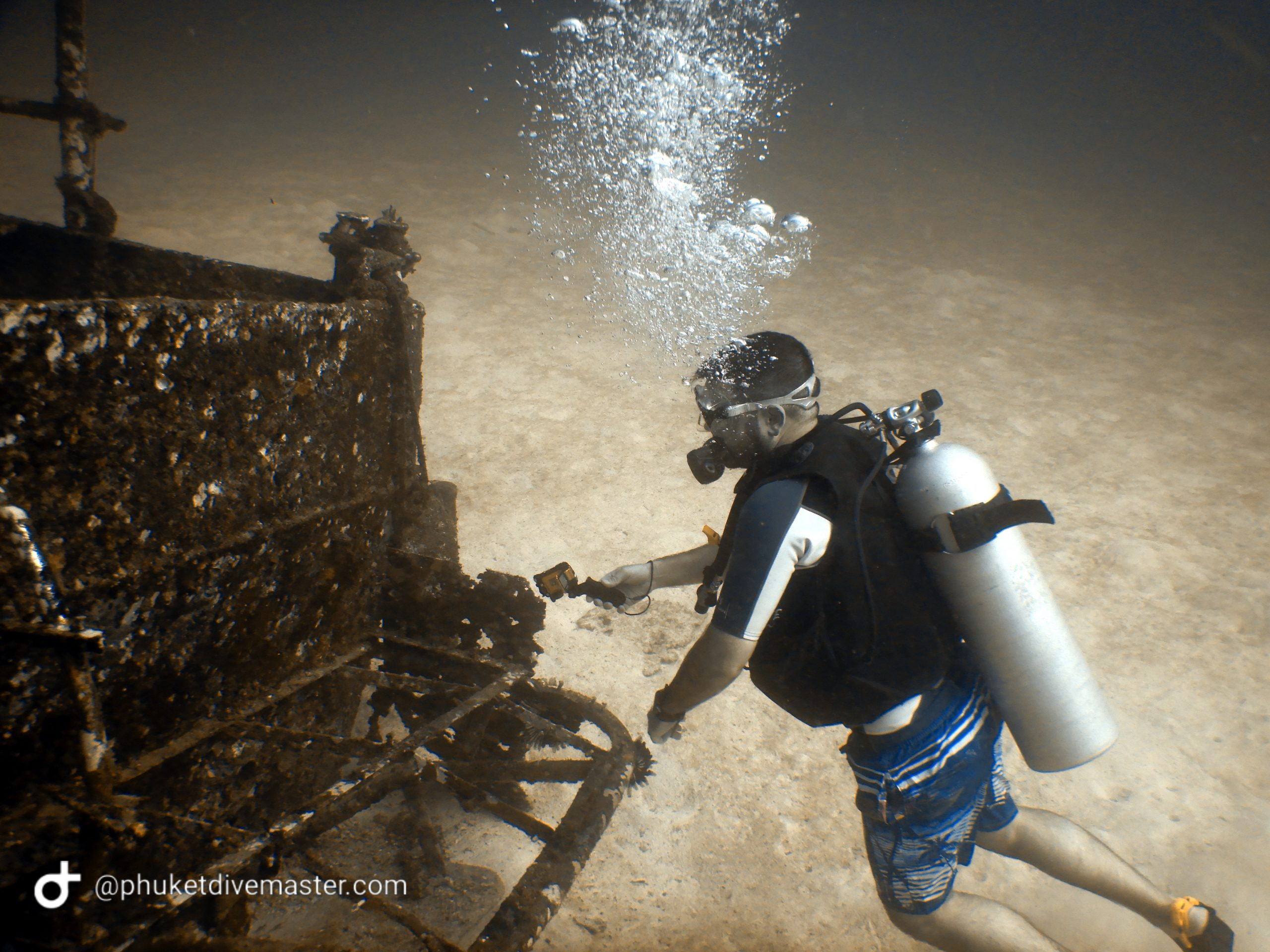 wreck dive from Phuket